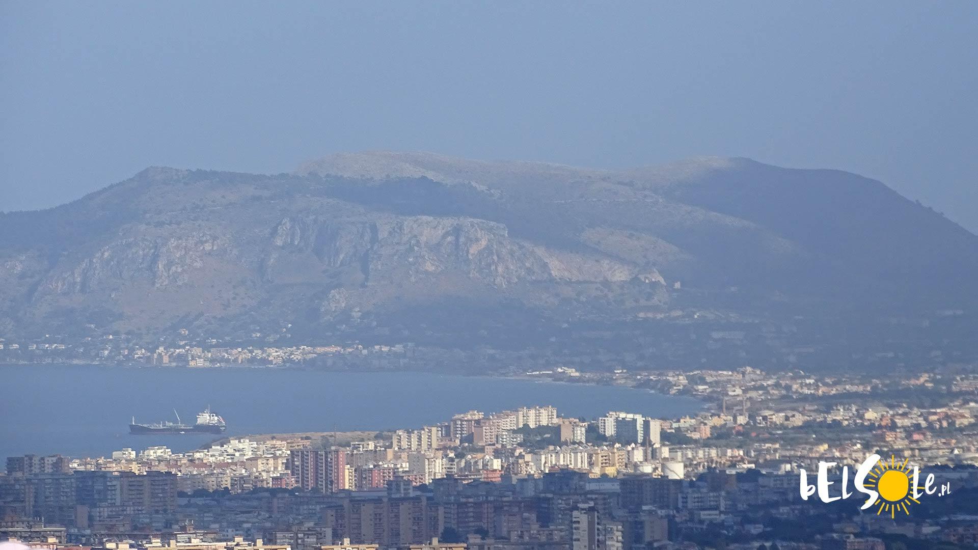 Zatoka Palermo La Cala Port