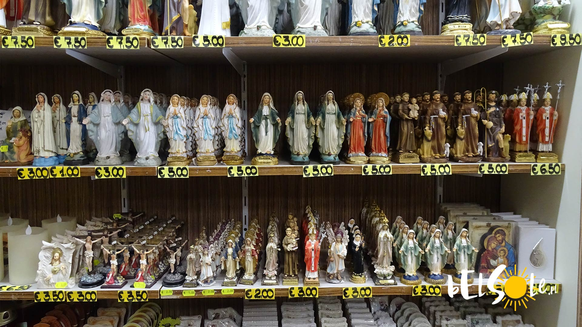 otwarte sklepy we Włoszech