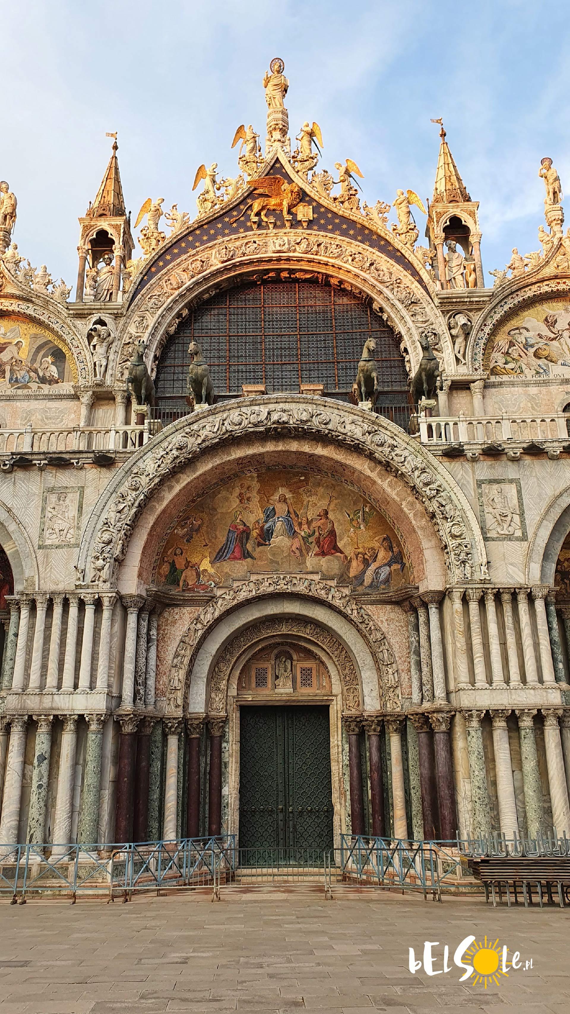 wejście do bazyliki świętego Marka w Wenecji
