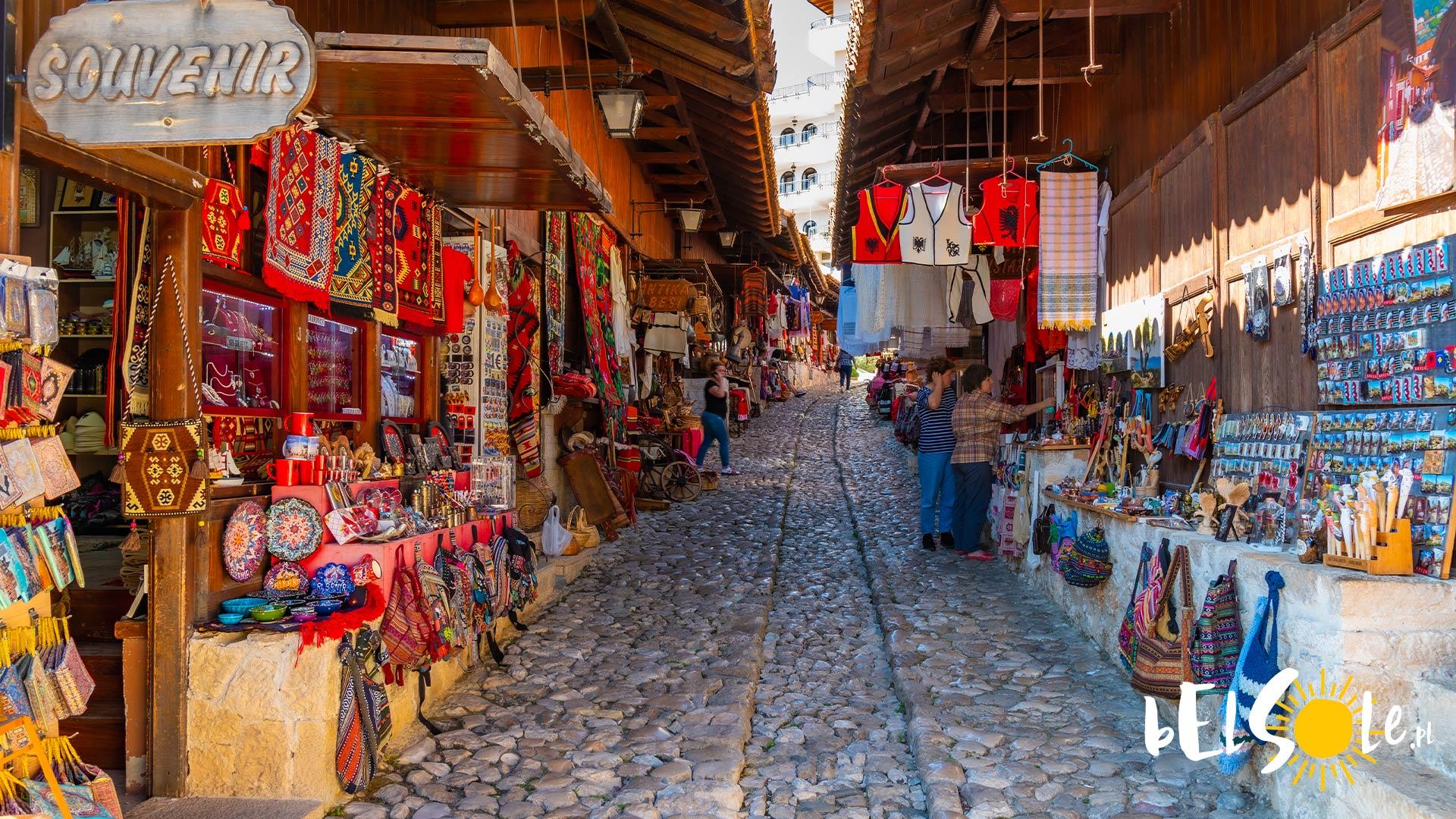 co kupić w Albanii