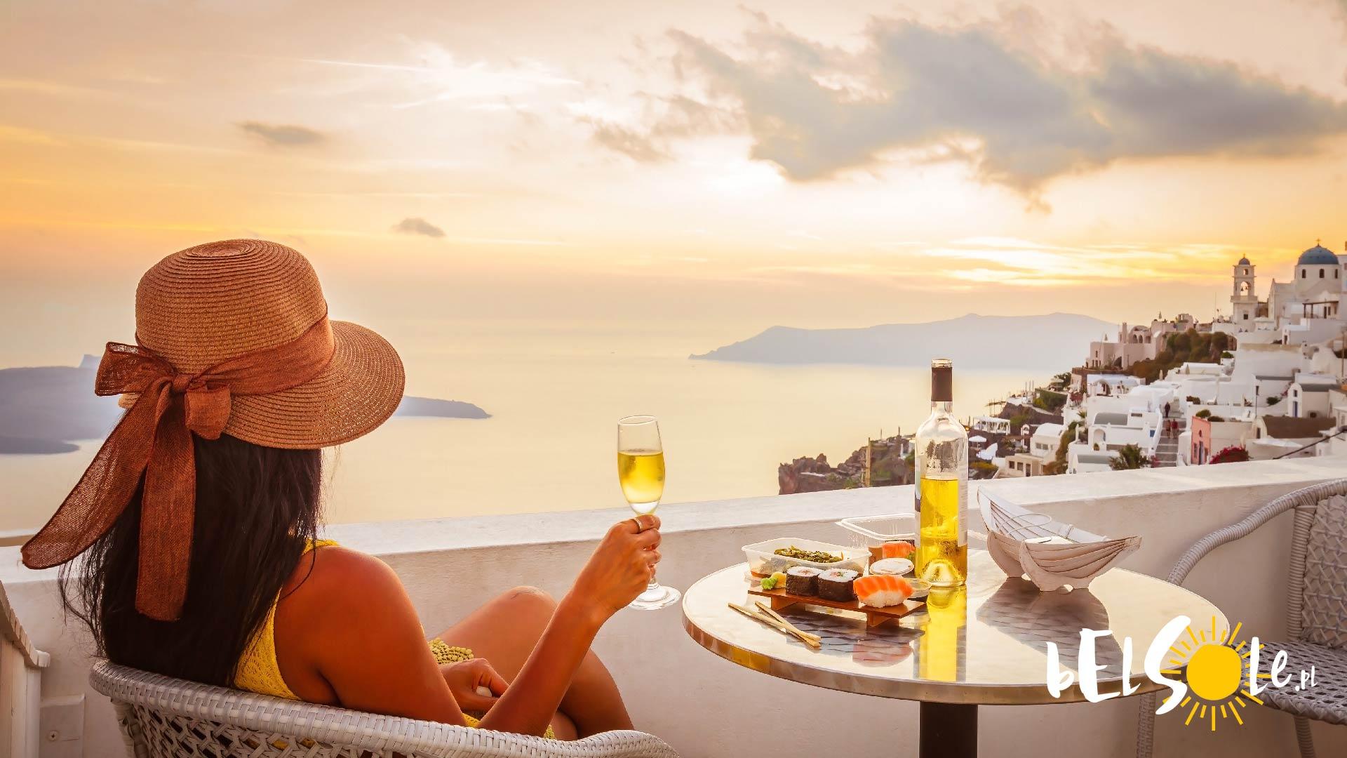 czy na Santorini jest drogo